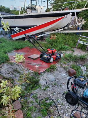 12 ft aluminum with 10 hp Honda 4 stroke motor for Sale in Miami Gardens, FL