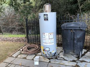50 gal. Water Heater. ( like new ) Bradford white for Sale in Pleasanton, CA