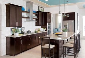 All wood kitchen cabinets for Sale in Miami, FL