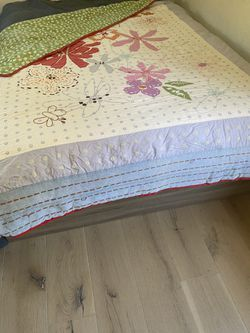 Pottery Barn Full Sized Quilt for Sale in Los Angeles,  CA