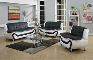 New black/white faux leather three piece sofa set for Sale in Renton, WA