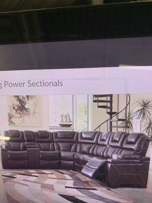 Power Reclining sectional ( head rest moves separately) ON SALE for Sale in Federal Way, WA