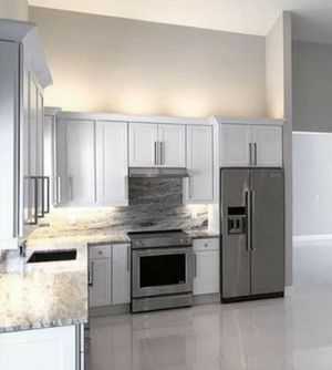 NEW GORGEOUS WHITE SHAKER HIGH QUALITY WOOD KITCHEN CABINETS for Sale in Punta Gorda, FL
