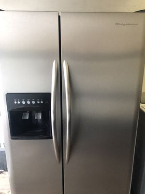 Frigidaire stainless steel refrigerator for Sale in Kent, WA