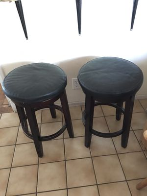 LIKE NEW 2 BAR STOOLS for Sale in Fresno, CA