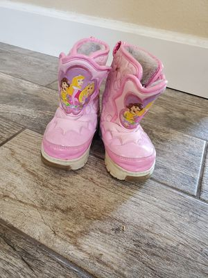 Kids snow boots small 5/6 for Sale in Lake Elsinore, CA