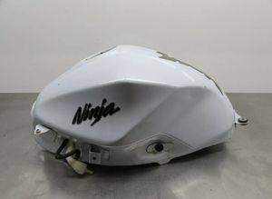 Kawasaki Ninja 300 Gas Tank for Sale in Boca Raton, FL
