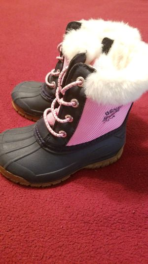 OSH KOSH Girls boots!!!!! Ready for the fall/winter!! for Sale in Powder Springs, GA