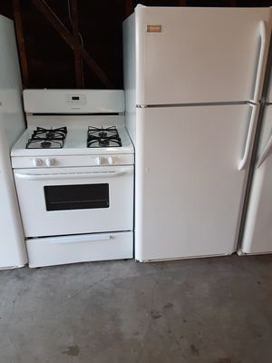 Stove and refrigerator combo for Sale in Bellflower, CA
