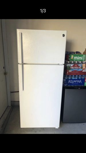 GE REFRIGERATOR for Sale in Norco, CA
