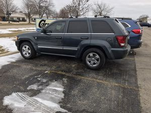 Grand Cherokee V8 5.7 4x4 hemi 2007 for Sale in Aurora, IL