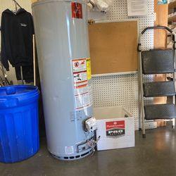 50 Gallon Natural Gas Water Heater for Sale in Virginia Beach,  VA