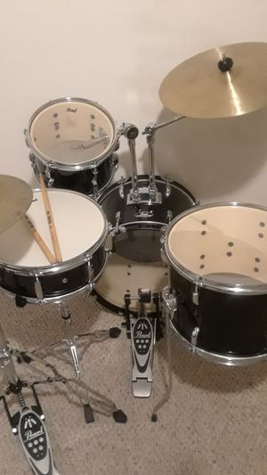 Pearl Roadshow 4pc Jazz drum set Jet black for Sale in Clinton, MD