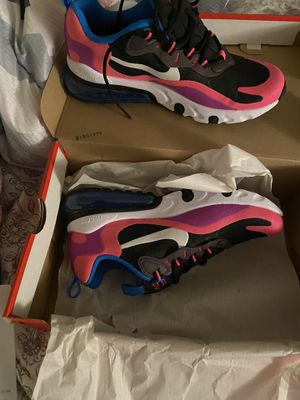 Nike size 6 in girls for Sale in Maple Shade Township, NJ