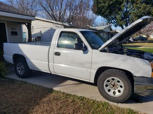 2005 chevy silverado 1500 for Sale in Irving, TX