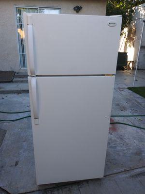 Refrigerador para apartamento exelentes condiciones for Sale in Paramount, CA