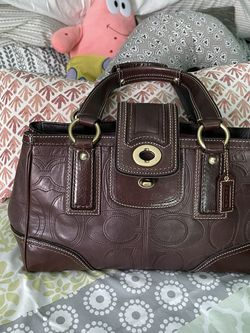 Leather Coach Purse medium size for Sale in Pacific,  WA