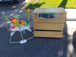 Free dresser and baby bouncer for Sale in Antelope, CA