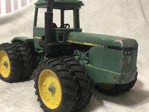 Vintage Ertl John Deere 8630 four wheel drive tractor Green Yellow Metal Antiquities Rare, please advise to all pictures. Condition for Sale in Phoenix, AZ