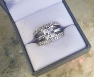 Square cut wedding ring 3pc size 7 for Sale in Gresham, OR