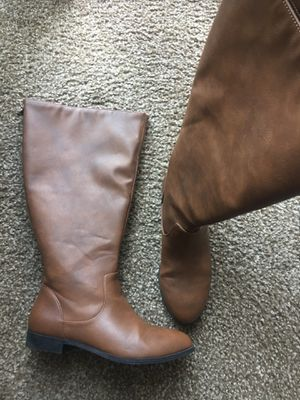 Women boots size 7.5. Perfect condition. Please only serious buyers for Sale in West Valley City, UT