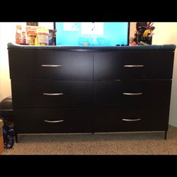 Black Dresser for Sale in Everett,  WA