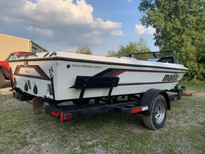 89 Malibu boat for Sale in Waterford Township, MI