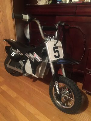 Razor mx 350 is this Electricisthe for Sale in Boston, MA