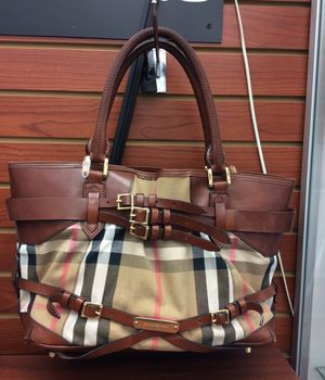 Burberry shoulder brown bag for Sale in The Bronx, NY