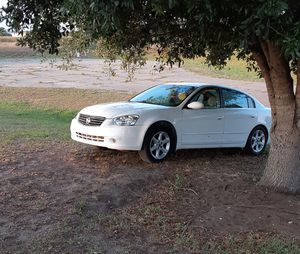 2006 Nissan Altima 2.5 best offer takes it for Sale in Lakeland, GA