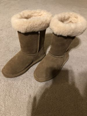 Brand New Girls Bearpaw Boots Size 3 for Sale in Cornelius, OR