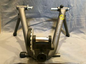CycleOps Magneto and front riser block for Sale in Saint Paul, MN