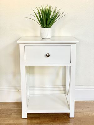 White with drawer Side table nightstand end table for Sale in Roseville, CA