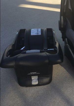 Britax b ready car seat base for Sale in Fullerton, CA