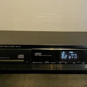 Kenwood DP-47 Compact Disc Player. for Sale in Milwaukee, WI