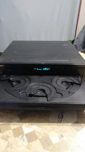 ONKYO 6 disc CD player $35 for Sale in Willimantic, CT