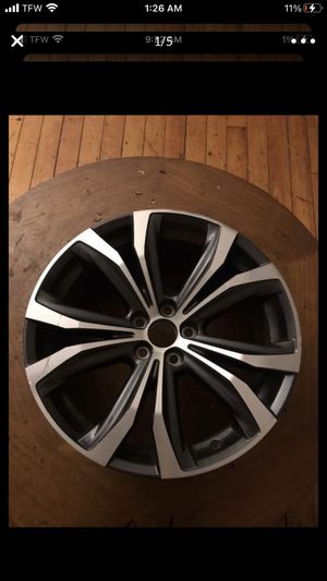 Lexus rx350 30 inch wheels . ( only one wheel ) solo uno for Sale in Providence, RI