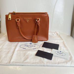 Prada Small Saffiano Leather Double Zip Tote for Sale in Beavercreek, OR