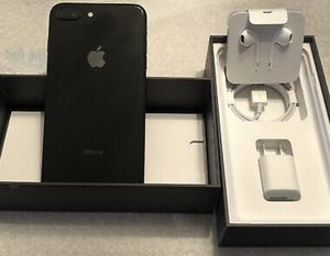 iPhone 8 Plus for Sale in Dravosburg, PA