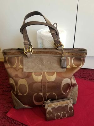 Coach purse and small key card bundle for Sale in Lincoln Acres, CA