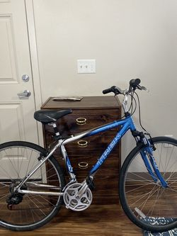 Trek 7100 ALUMINUM Bike for Sale in Tacoma,  WA