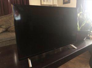 32 in. Roku Smart tv for Sale in Pennsauken Township, NJ