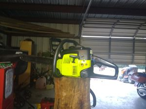 Poulan chainsaw for Sale in Bandera, TX