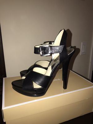 Michael Kors. Real leather sandals. New!! Size 8m for Sale in Auburn, WA