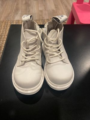 Dr martens toddler 5c for Sale in Long Beach, CA