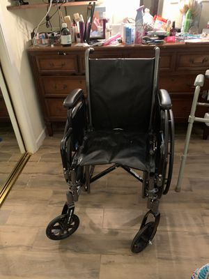 Wheel Chair with Leg Rest for Sale in Oakland Park, FL