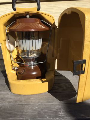 Coleman Lantern Model 275 in carrying case. for Sale in Newport News, VA