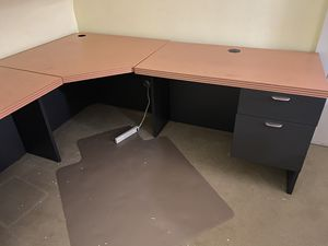 Commercial grade office desk for Sale in East Aurora, NY