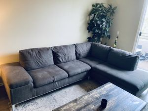 Grey couch/sectional for Sale in Indio, CA