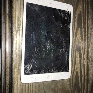 iPad Mini For Parts for Sale in West Covina, CA